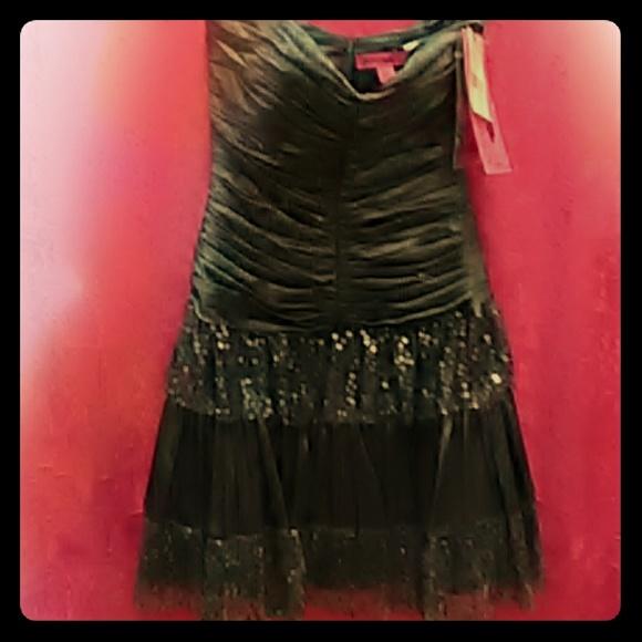 Betsey Johnson Dresses & Skirts - Betsey Johnson party dress size 2